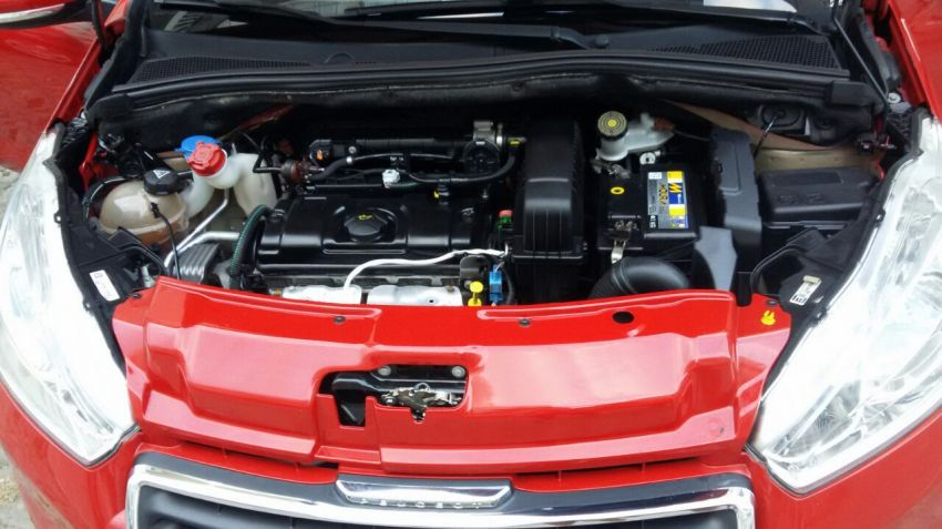 Peugeot 208 Allure 1.5 8V (Flex) - Foto #7