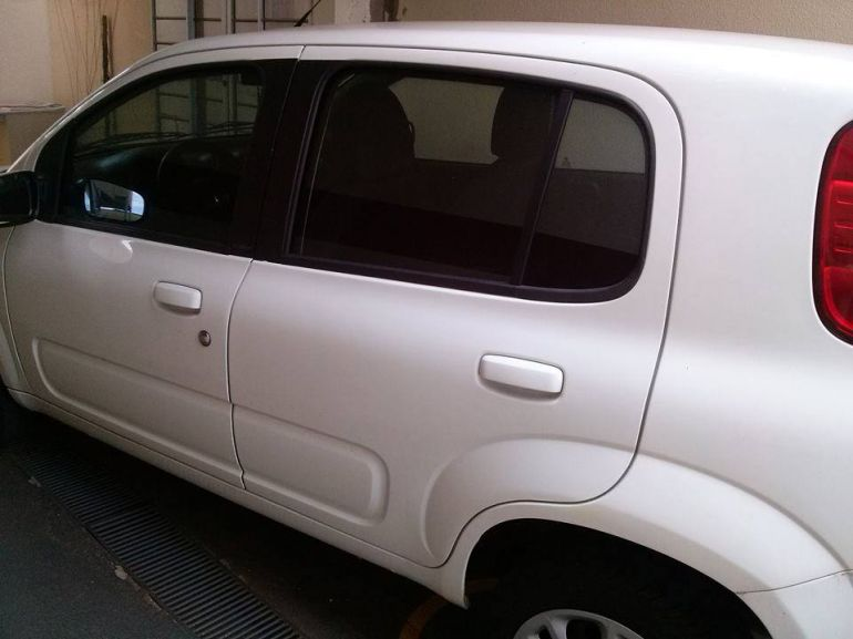 Fiat Uno Vivace 1.0 (Flex) 4p - Foto #8
