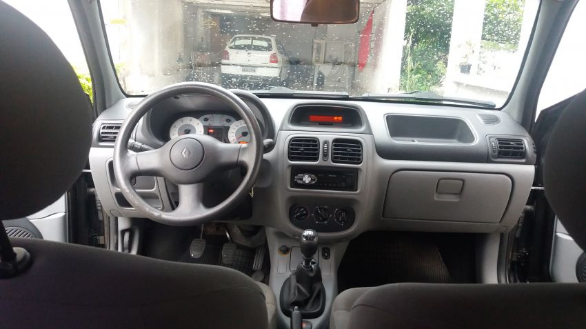 Renault Clio Hatch. Air 1.6 16V (flex) - Foto #9