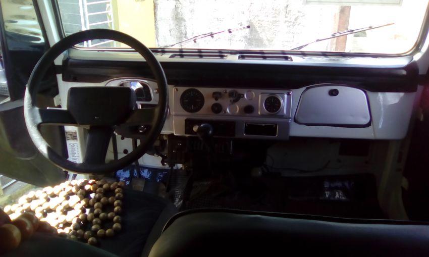Toyota Bandeirante Jipe BJ50L 4x4 3.7 (teto lona) - Foto #4