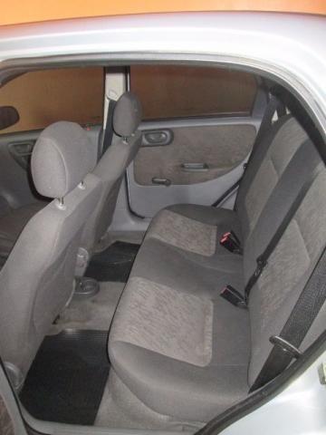 Chevrolet Corsa Sedan Premium 1.0 - Foto #6
