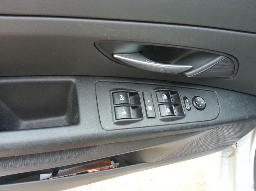 Fiat Punto Essence 1.6 16V Dualogic (Flex) - Foto #8