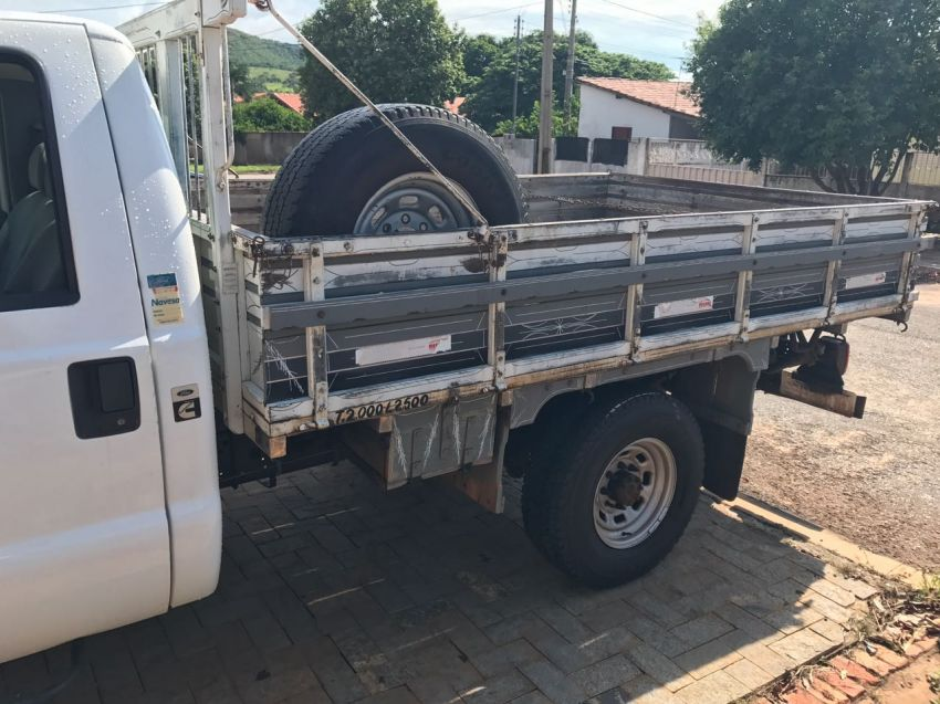 Ford F350 (Cabine Simples) - Foto #2