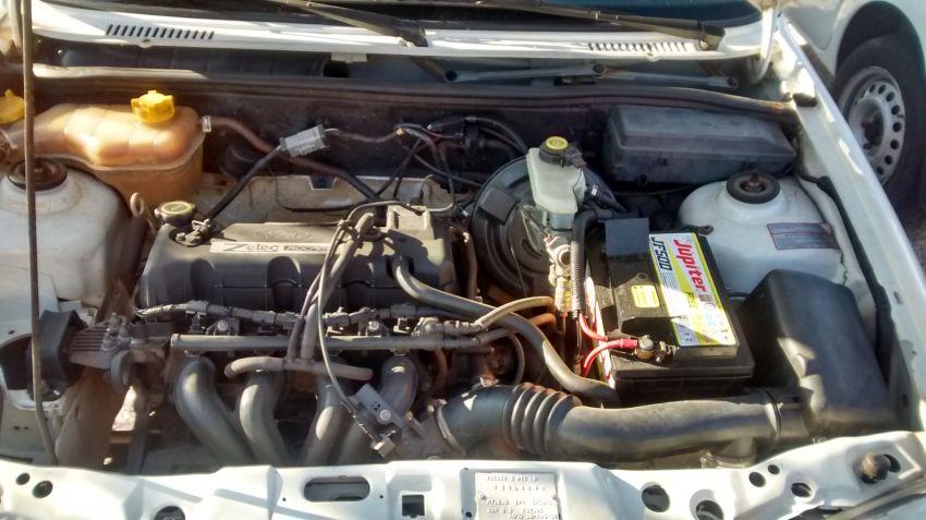 Ford Fiesta Hatch 1.0 MPi 2p - Foto #1