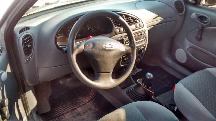 Ford Fiesta Hatch 1.0 MPi 2p - Foto #3