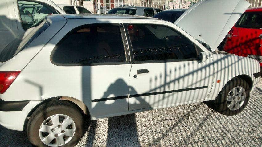 Ford Fiesta Hatch 1.0 MPi 2p - Foto #5