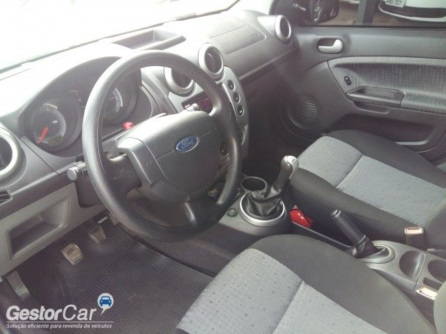 Ford Fiesta Sedan SE 1.6 Rocam (Flex) - Foto #5