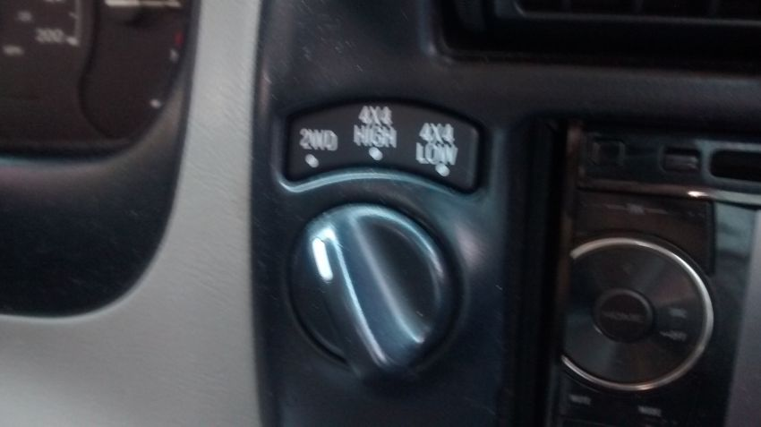 Ford Ranger XLT 4x4 4.0 V6 (Cab Simples) - Foto #2