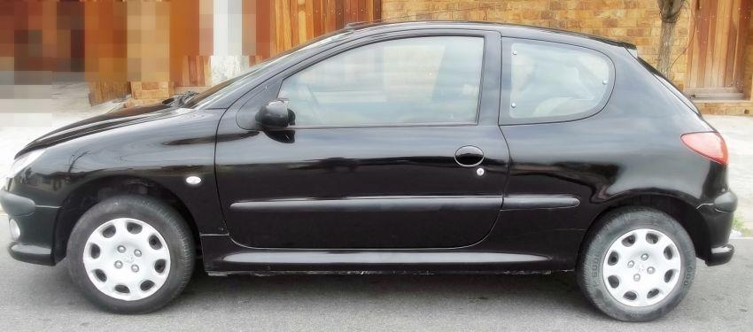 Peugeot 206 Hatch. Presence 1.4 8V (flex) 2p - Foto #1