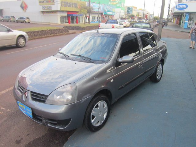 Renault Clio Sedan Authentique 1.0 16V (flex) - Foto #1