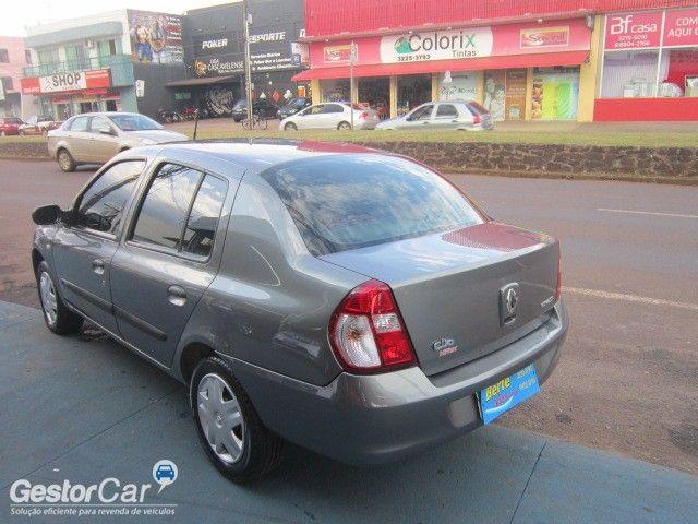 Renault Clio Sedan Authentique 1.0 16V (flex) - Foto #5