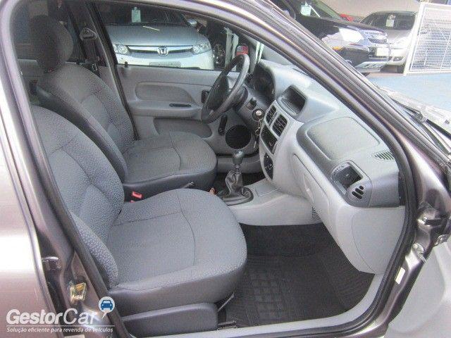 Renault Clio Sedan Authentique 1.0 16V (flex) - Foto #6