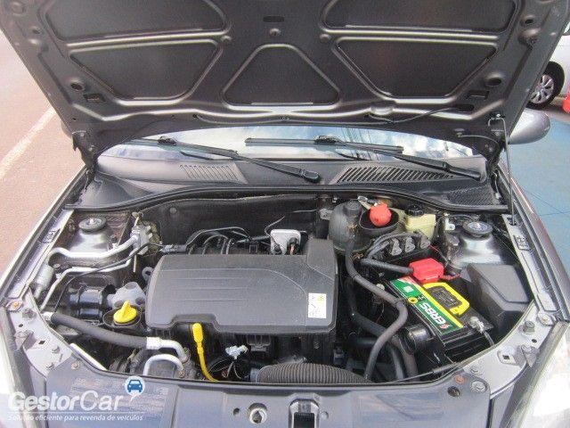 Renault Clio Sedan Authentique 1.0 16V (flex) - Foto #9