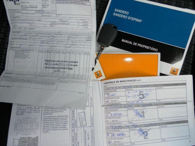 Renault Sandero Expression 1.0 16V Hi-Flex - Foto #3
