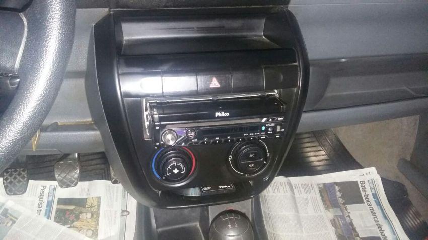 Volkswagen Fox Plus 1.6 8V (Flex) 4p - Foto #2