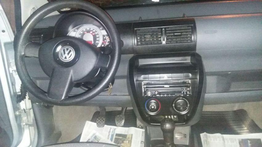 Volkswagen Fox Plus 1.6 8V (Flex) 4p - Foto #3