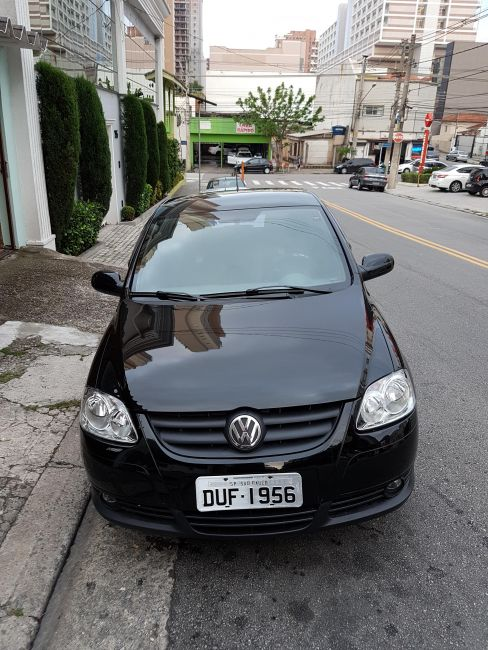 Volkswagen Fox Route 1.0 8V (Flex) 4p - Foto #1