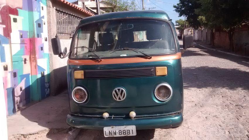 Volkswagen Kombi Carat 1.6 MI - Foto #2