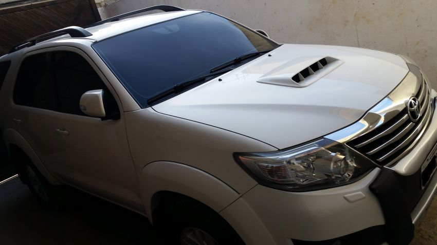 Toyota Hilux SW4 3.0 TDI 4x4 SRV 7L (Aut) - Foto #2