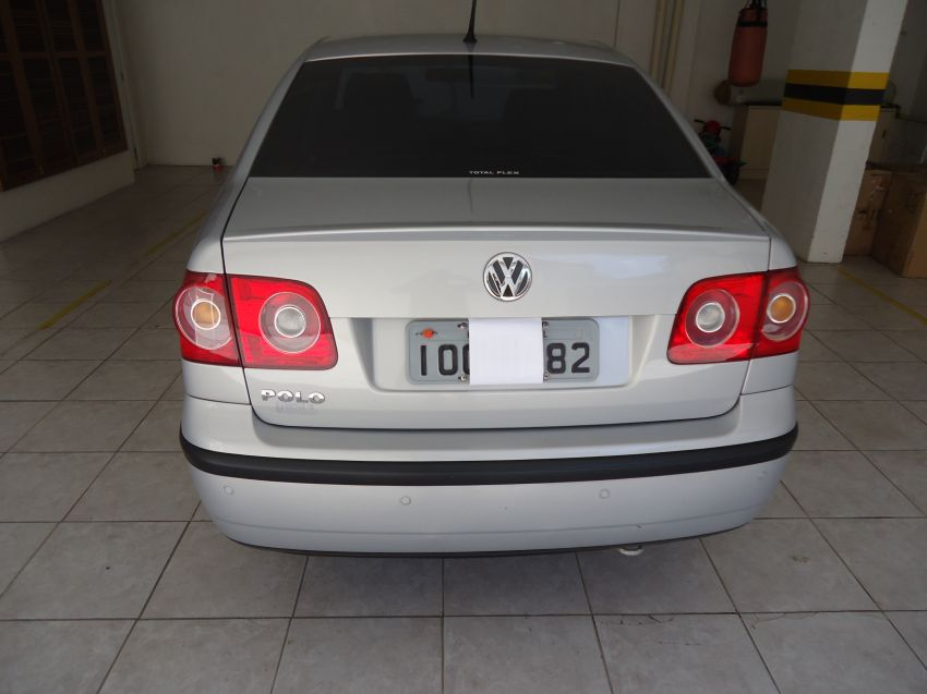 Volkswagen Polo Sedan 1.6 8V (Flex) - Foto #1