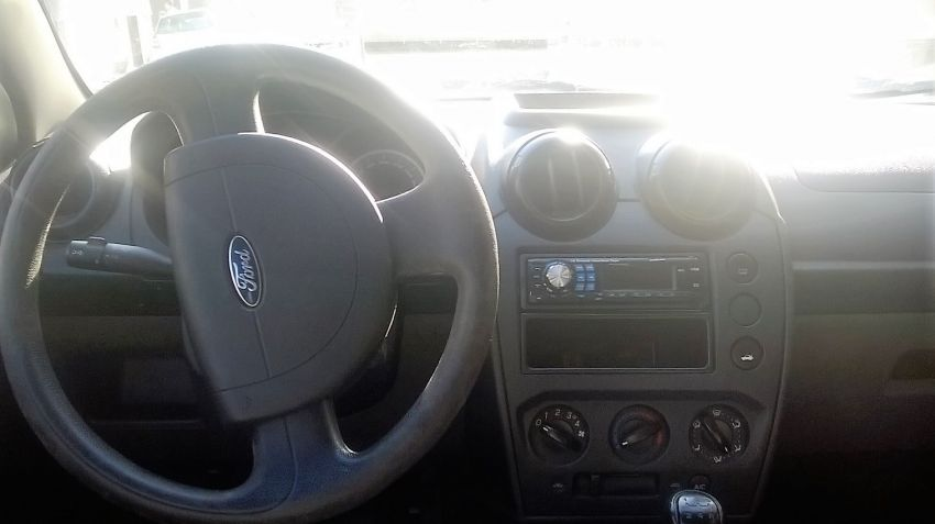 Ford Fiesta Hatch 1.0 MPi 4p - Foto #4