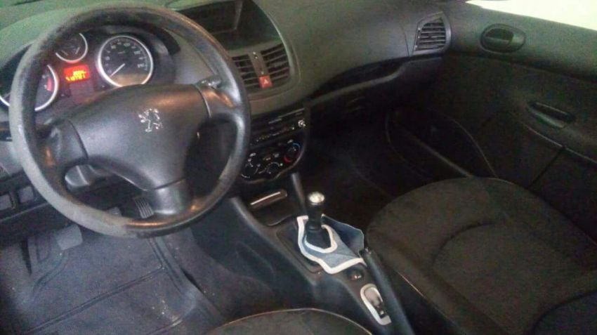 Peugeot 207 Hatch XR 1.4 8V (flex) 2p - Foto #3