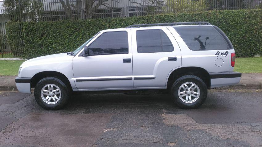 Chevrolet Blazer DLX 4x4 2.8 - Foto #1