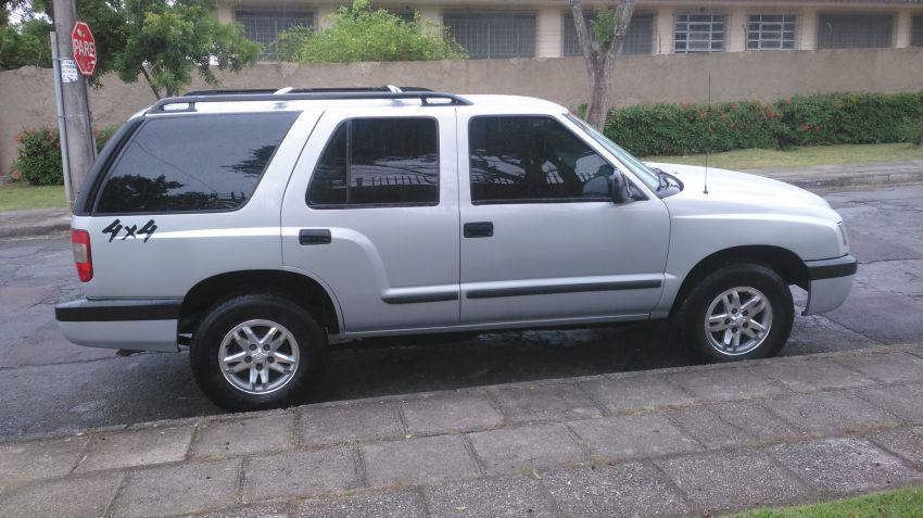 Chevrolet Blazer DLX 4x4 2.8 - Foto #2