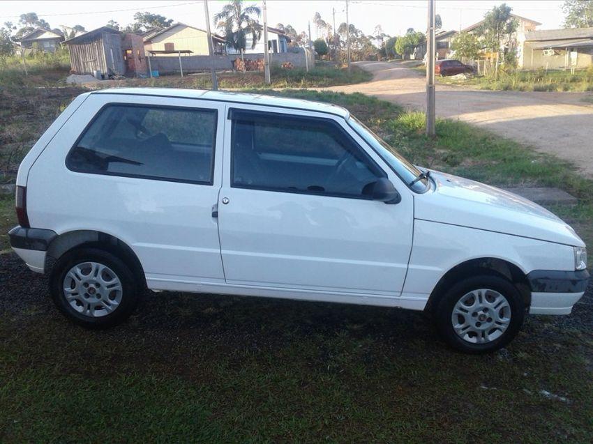 Fiat Uno Economy 1.4 8V (Flex) 2P - Foto #2