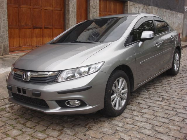 Honda New Civic LXS 1.8 (aut) (flex) - Foto #2
