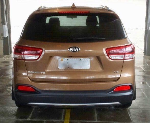 KIA Sorento EX 4X2 3.5 L V6 - Foto #3