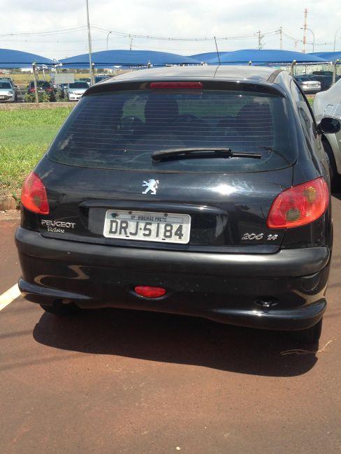 Peugeot 206 Hatch. Presence 1.4 8V 2p - Foto #1