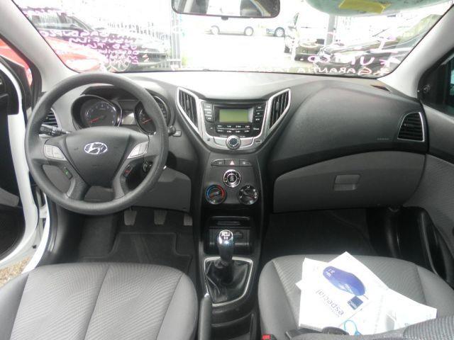 Hyundai HB20S Comfort Plus 1.6 16V Flex - Foto #7