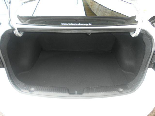 Hyundai HB20S Comfort Plus 1.6 16V Flex - Foto #10