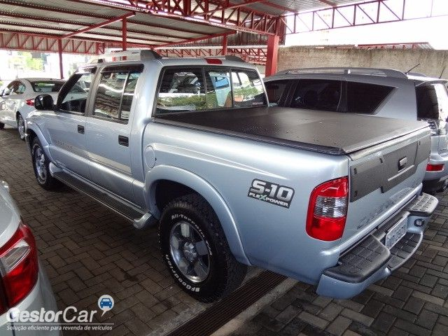Chevrolet S10 Executive 4x2 2.4 (Flex) (Cab Dupla) - Foto #6