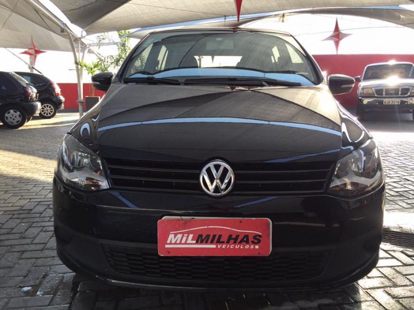 Volkswagen Fox   1.0 Mi Total Flex 8V 5p - Foto #2
