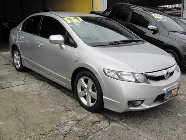 Honda Civic LXS 1.8 16V Flex - Foto #1