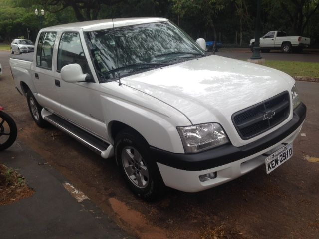 Chevrolet S10 Luxe 4x2 2.8 (Cab Dupla) - Foto #1