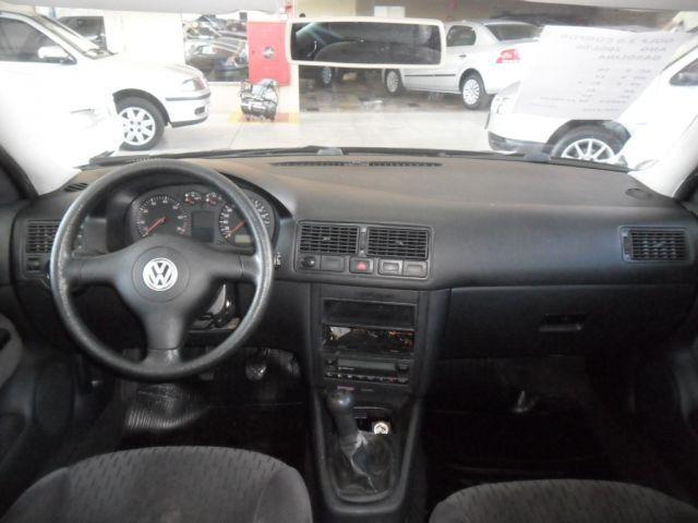 Volkswagen Golf Comfortline 2.0 Mi 8V - Foto #6