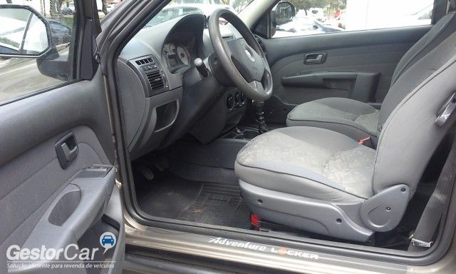 Fiat Strada Adventure Locker 1.8 8V (Flex) (Cab Estendida) - Foto #7