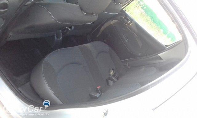 Peugeot 207 Hatch X-Line 1.4 8V (flex) (4 p.) - Foto #7