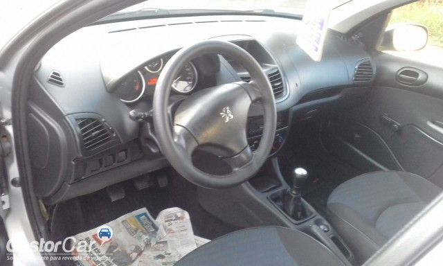 Peugeot 207 Hatch X-Line 1.4 8V (flex) (4 p.) - Foto #9