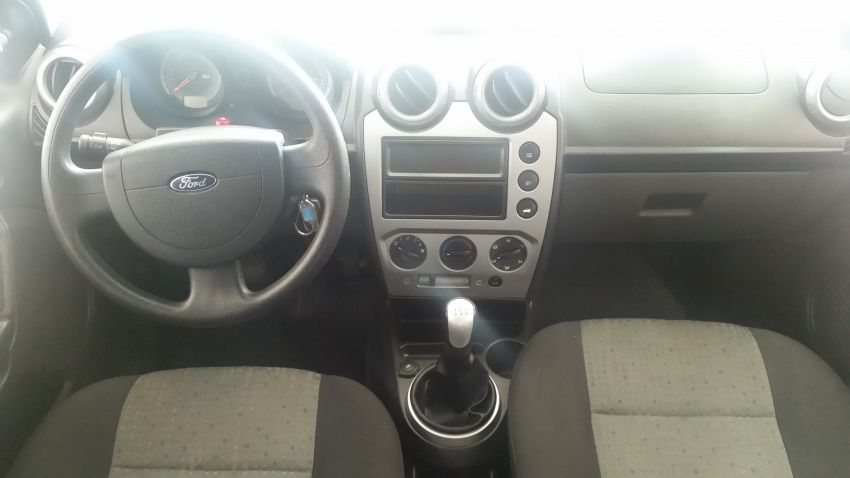 Ford Fiesta Sedan 1.6 Rocam (Flex) - Foto #3