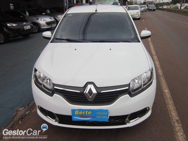 Renault Sandero Expression 1.6 8V - Foto #2
