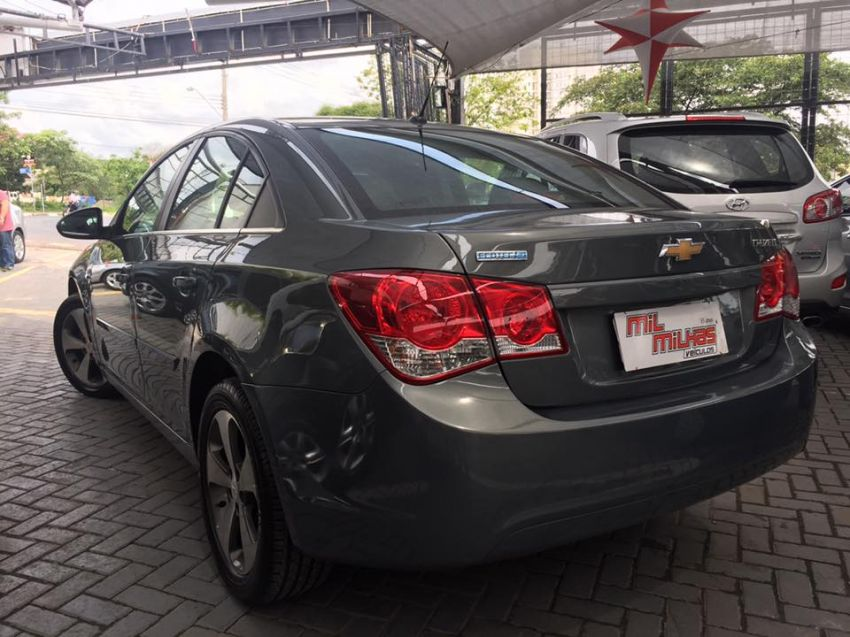 Chevrolet Cruze  LT 1.8 16V Flexpower 4p Aut - Foto #4