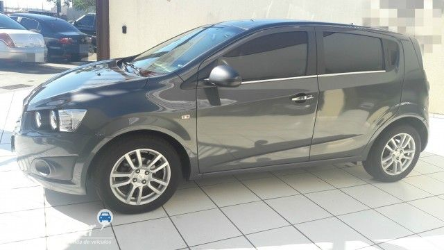 Chevrolet Sonic Hatch LTZ - Foto #2