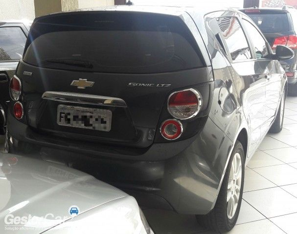 Chevrolet Sonic Hatch LTZ - Foto #4