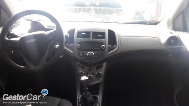 Chevrolet Sonic Hatch LTZ - Foto #6