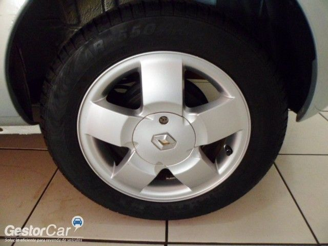 Renault Clio Hatch. Privilége 1.0 16V - Foto #9