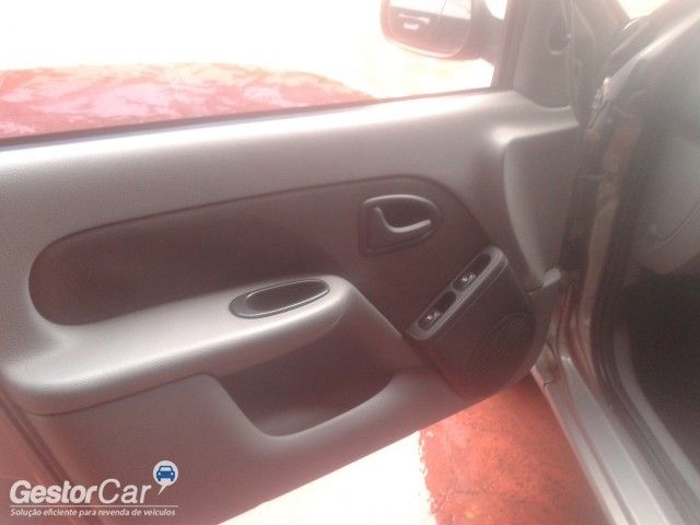 Renault Clio Hatch. Expression 1.0 16V (flex) - Foto #7